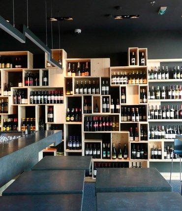 Arredamento bar roma e locali fda for Arredamento wine bar