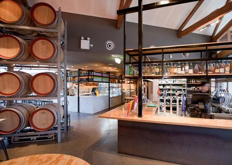 Arredamenti per la ristorazione professionale for Arredamento wine bar